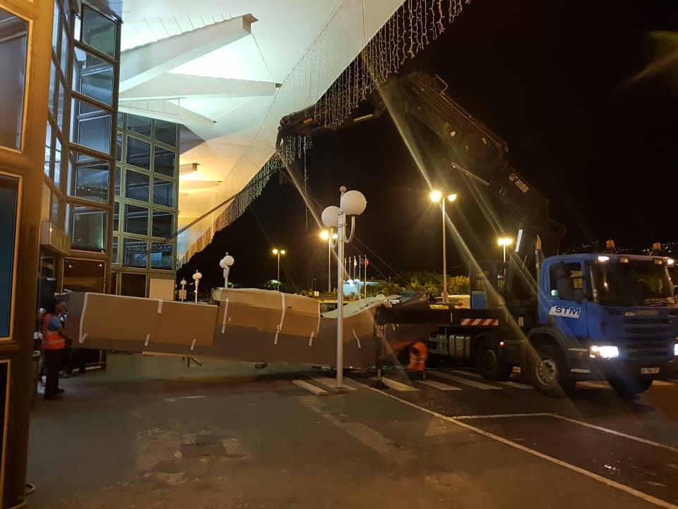 Escalator aéroport de Gillot